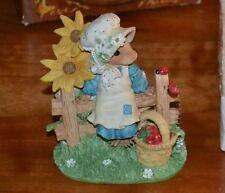 Mouse Tales Ladybug Fly Away Home Figurine 164917 Enesco Priscilla Hillman 1995
