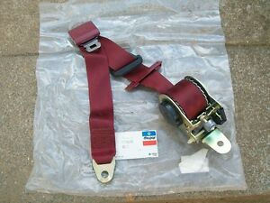 1984 1985 1986 1987 1988 Caravan Voyager NOS MoPar Right Front OUTER SEAT BELT