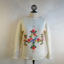 Cream Floral Embroidered Sweater 1960s Eatons Scalloped Wool Knit Pullover S/M