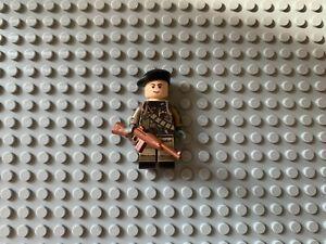 TheMinifigco Lego WW2 British SAS Special Operations Soldier + brickarms