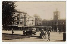 NEW ZEALAND, CHRISTCHURCH, CATHEDRAL SQUARE, SHOPS, VINTAGE CAR, PLAINBACK, RP