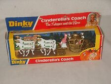 DINKY TOYS VINTAGE filmmodell Cendrillon's Coach The Slipper and rose Cendrillon