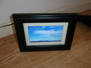 Omnitech model 15198 Digital photo frame