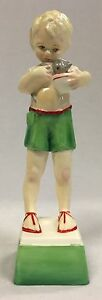 Vintage Royal Worcester Fridays Child Loving and Giving Figurine 3261