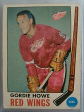 1969-70 TOPPS GORDIE HOWE #61 WITH STAMP