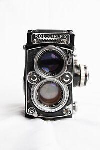 Rolleiflex 2.8e Schneider Xenotar 80mm w/ Leather Case. Sr No. 1646902.