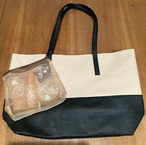 Mary Kay Creamy Frosted Vanilla Gift Set - Mist, Wash & Butter With Tote Bag