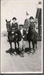 VINTAGE PHOTOGRAPH 1911-20 GIRLS HORSES RIDING FASHION ESTES PARK COLORADO PHOTO