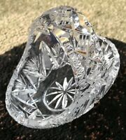 "BEATIFUL CRYSTAL BASKET 6"" CZECH GLASS. HAND CUT. QUEEN LACE"
