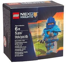 Exclusive LEGO NEXO KNIGHTS 5004390 Royal Guard Minifig Set by Nexo Knights