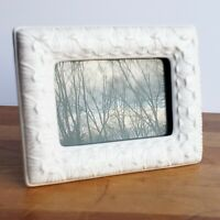 White porcelain picture frame artichoke petal design tabletop for 3X5 photo