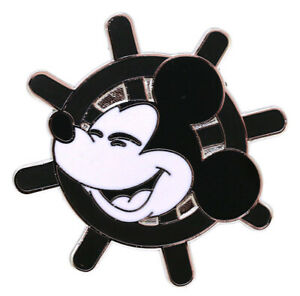 2018 Disney Mickey Mouse Memories Face On a Steamboat Sheel Pin Rare