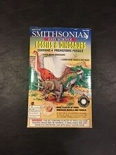 Smithsonian Easy Science Fossils & Dinosaurs - Includes 4 Prehistoric Fossils