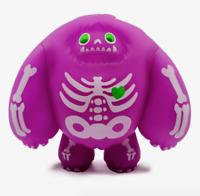 Métallique pommiers abominable Toys Hot Topic exclusif dans la main