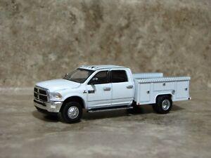 Ertl 1/64 Greenlight White Dodge Ram 3500 Laramie Service Pickup Truck Farm Toy