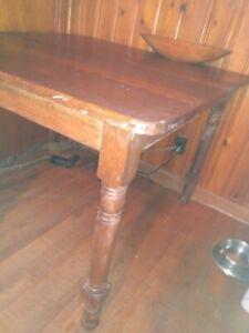 Antique dining set 19th Century Primitive Tiger Oak 3 tBack leather bottom chai