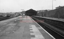 PHOTO  GWR PENZANCE RAILWAY STATION VIEW LOOKING TOWARDS THE BUFFER STOPS 18/4/8