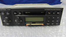 AUTORADIO VINTAGE  AM/FM A CASSETTE BLAUPUNKT MODELLO MONTREUX RCR 127 4X35W