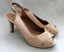 NEW CLARKS DELSIE KALA WOMENS NUDE LEATHER / PATENT LEATHER SHOES SIZE 7 /  41