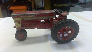 Farmall 560 Die Cast Tractor