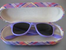 TCM Kinder Kids Sonnenbrille Kunststoff Rahmen Lila mit Etui Hartbox Breite 12,5