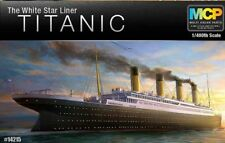 Academy RMS TITANIC Toy White Star Liner Plastic Model Ship Kit 1/400 Official