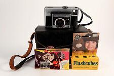 Kodak Instamatic 35mm Vntg Film Camera 314 w/ Case Flashes Original Manual