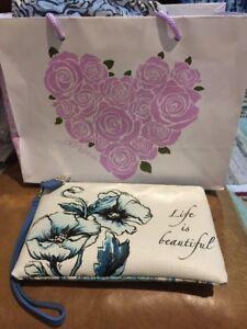 ❤️Brighton Bella Wristlet White Blue Floral Cosmetic Phone Bag Purse NWT$119.00