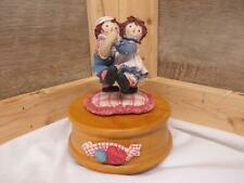 """KF7716 Raggedy Ann and Andy Enesco Music Box  Plays """"You Are My Sunshine"""" Tune"""