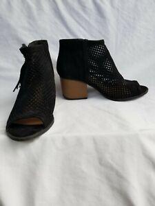 QUPID Black Open Toe Booties Side Zip Size 9