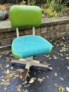 Vtg Delwood Industrial Chair Mid Century Modern Swivel Shaw Green Propeller Swag