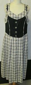 Damen Trachten Kleid schwarz/ beige weiß kariert Gr. 40 von Folk Line