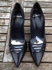 CLARKS BLACK LEATHER STILETTO HEELED COURT SHOES Size 6/39