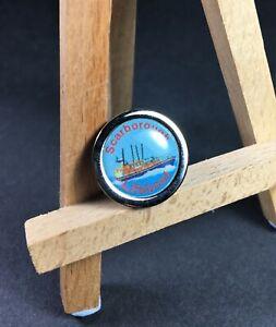 ⚓BRAND NEW🚢RNLI Scarborough Lifeboat Metal Enamel Round Pin Badge in Bag⚓