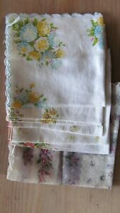 Pretty Vintage 50/'s Ivory Lace Trim Embroidered PeachBlue Floral Handkerchief~1440