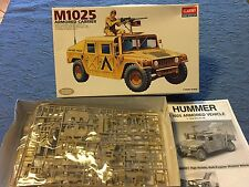 ACADEMY HMMWV M1025 ARMORED CARRIER N. 1350 1:35