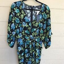 Romeo + And Juliet Couture Women Romper Batwing Short Sleeve V Neck Size M