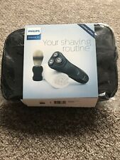 Philips Aquatouch Wet and dry Electric shaver - Limited Edition AT899