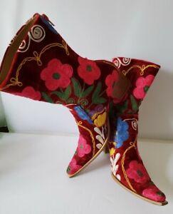VINTAGE Pink & Burgundy Floral Embroidered Western Boots Rose Garden Sz 40 9.5