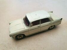 Voiture jouet DINKY toy PEUGEOT 404 N°553 car Meccano Ltd / France - played