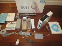 Nintendo Wii Video Game System Console Bundle RVL-001 White TESTED WORKS