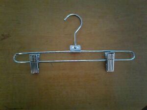 HANGERS LOT OF 25 NEW PANT//SKIRT HANGERS WITH CLIPS P80BPL