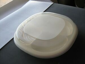 Rubbermaid divided covered microwave heatables dish cookware 0059