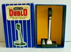 HORNBY DUBLO OO GAUGE 4045 SINGLE COLOUR LIGHT SIGNAL