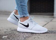 NIKE ROSHE RUN  Running Shoes WOMENS  11 US NEW Athletic Sneakers