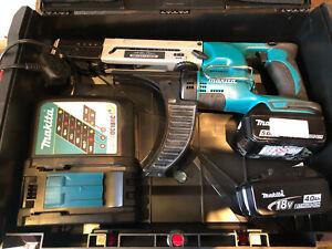 MAKITA DFR550 AUTO FEED CORDLESS SCREW GUN , 18 VOLT CORDLESS