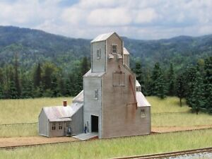 GCLaser County Co-op Grain Elevator KIT, Painted, Weathered, Ready for Assembly!