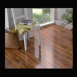 B&Q COLOURS Dolce Natural High Gloss Walnut Effect Laminate Flooring 48 Planks
