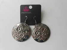 Paparazzi Earrings (new) FLORAL CIRCLE #72 - SILVER
