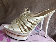 Ladies Size 6 White And Gold Open Back Gladiator Sandals